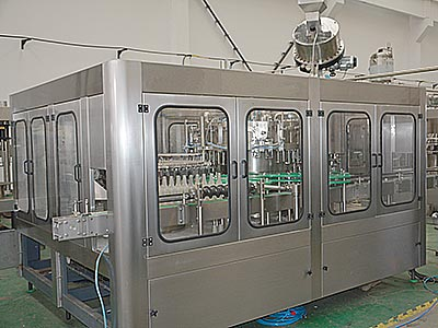 Carbonated-Beverage-Filling-Machinery